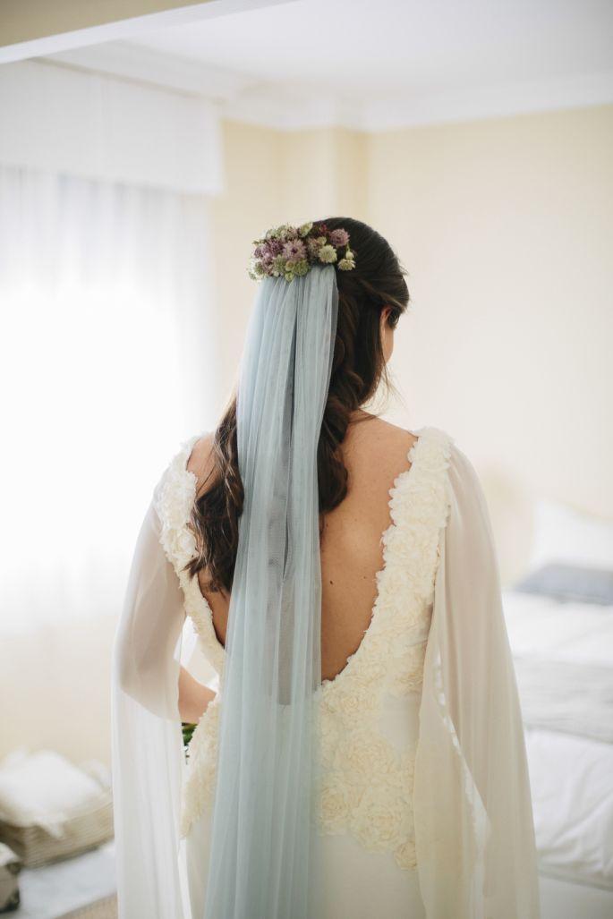 Unique Bridal Looks Colored Wedding Veils Wedding Dresses Blue