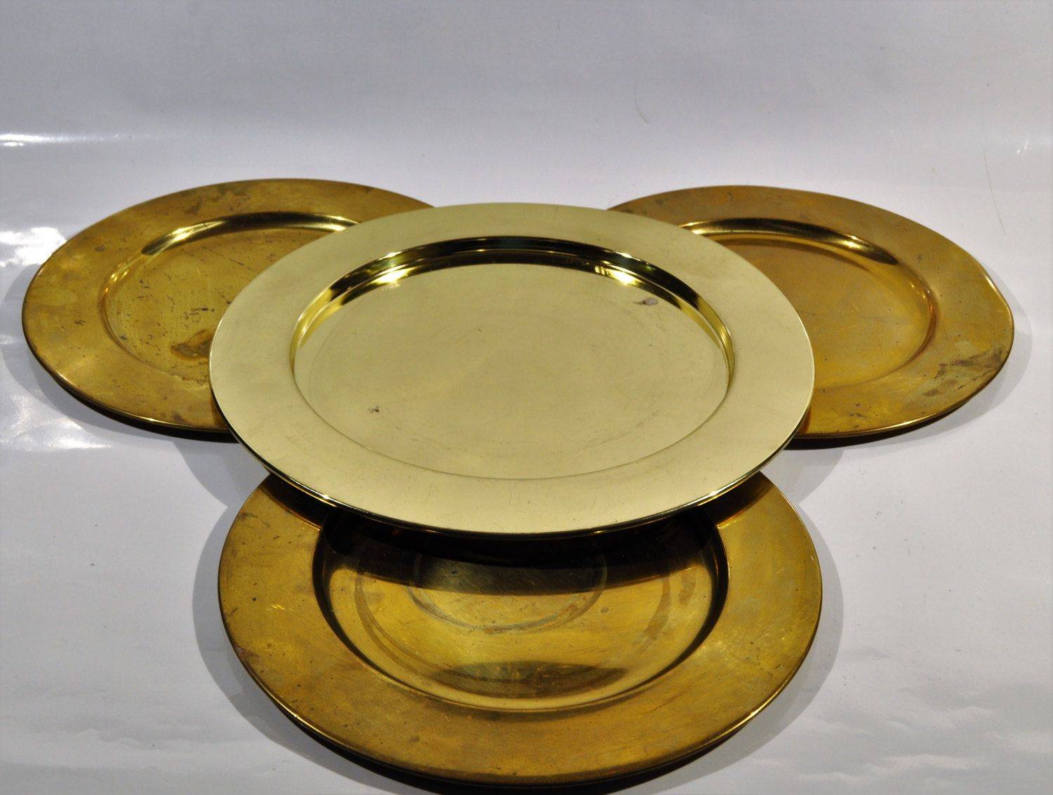 6 charger plates,vintage dinner plates with great patina /Brass ...