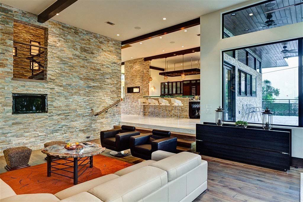 Modern Estate in Texas. Designed by Architect Charles Todd Helton