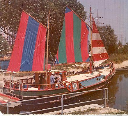 hundertwasser's boat, the regentag (rainy day) | tribute and, Badezimmer gestaltung