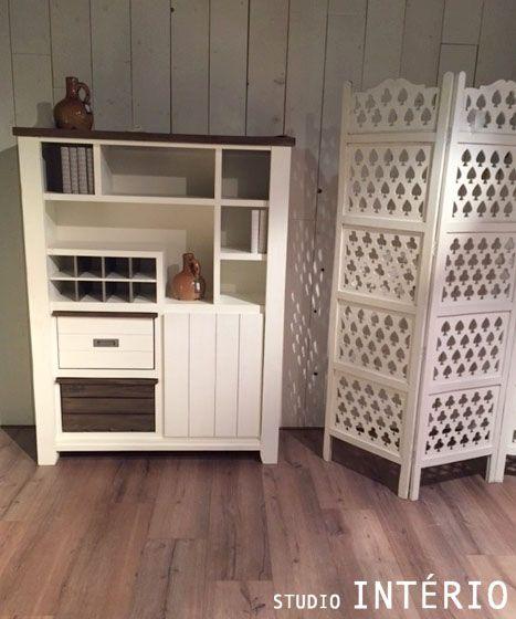 #SI #StudioInterio #riel #brabant #noordbrabant #inspiring #inspiratie #design #architecture #living #interieur #interior #white #assecoires #decoration #wood #closet