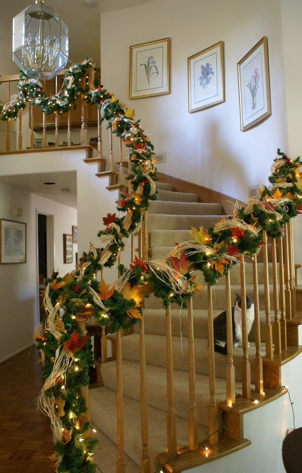 Christmas staircase decorations christmas decor How to decorate your hallway for christmas