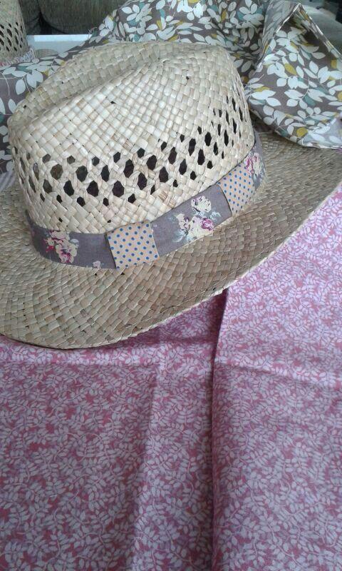 Sombrero bytabita tela pintada