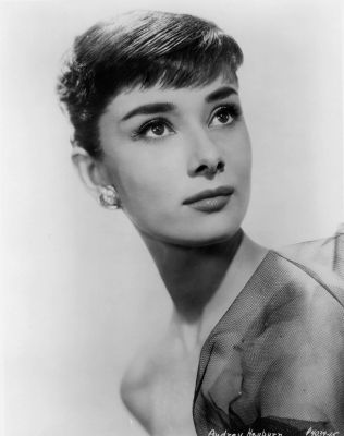Audrey Hepburn...This is who I want to be when I grow up ;-)