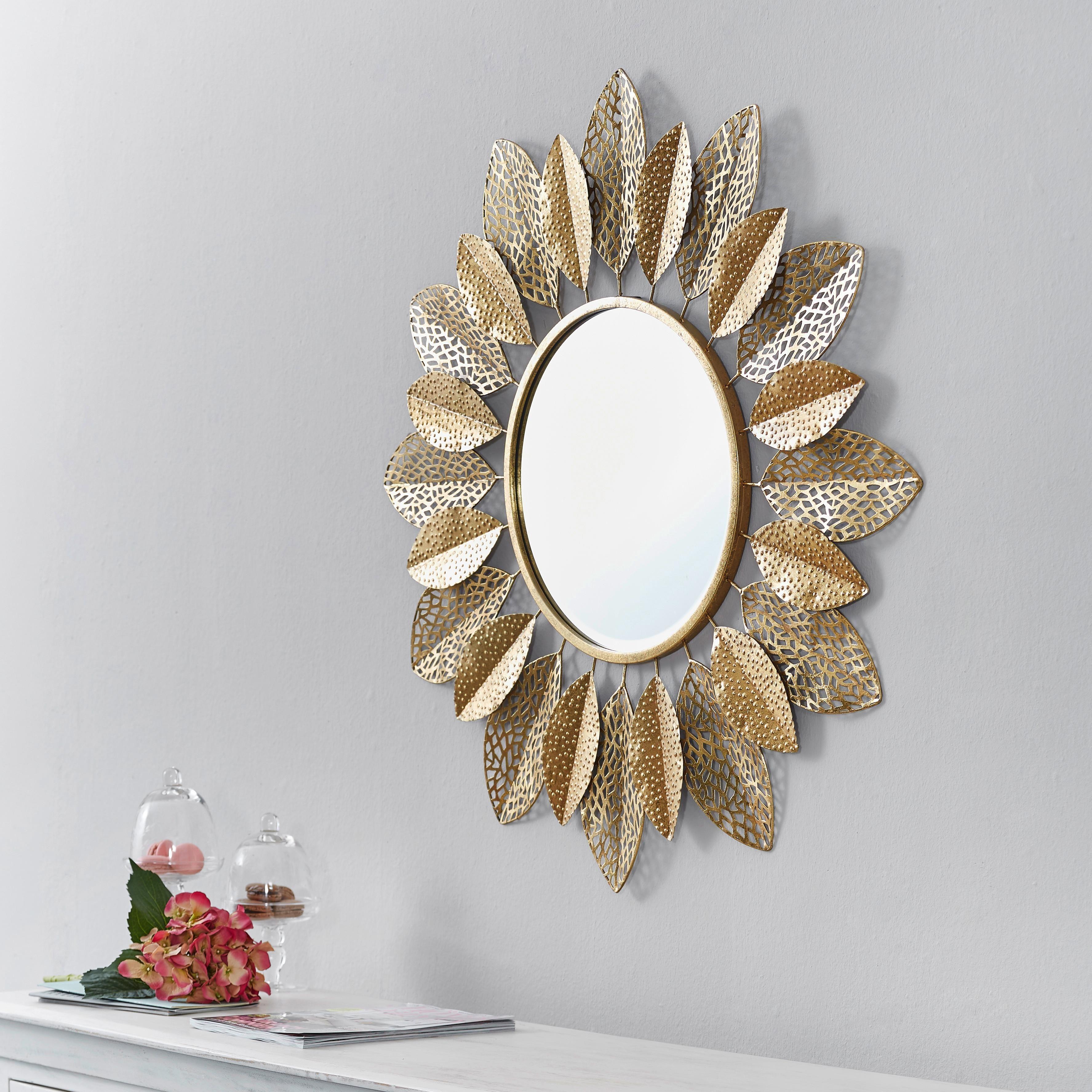 Diese Goldfarbene Sonne Ist Das Accessoire In Ihrem Raum Ob Als Elegante Erganzung Uber Der Kommode Im Schlafzimmer Sonnenspiegel Wandspiegel Rund Gold Farbe