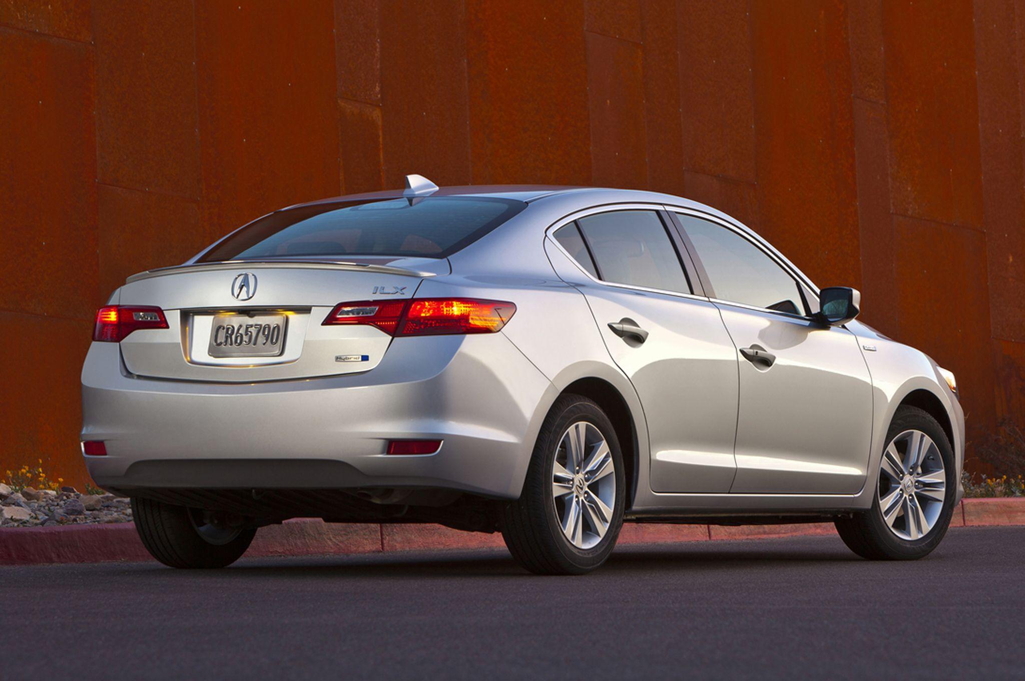 2014 acura ilx hybrid rear on top 10 best gas mileage luxury cars