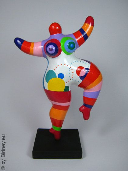 colourfully painted nana sculpture freely based on the. Black Bedroom Furniture Sets. Home Design Ideas