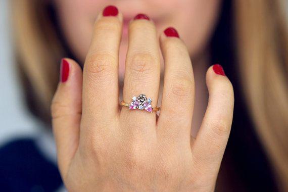 Anillo de compromiso de grupo anillo de diamantes marrones