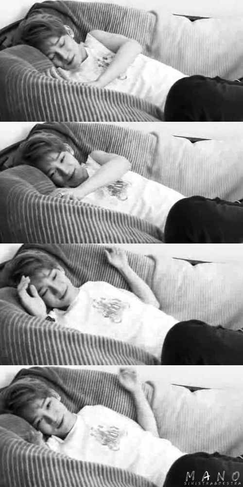 Aww~!! Chen oppa look so cute and peacefull~ <3 oppa i want to sleep right next to you~ <3 keke Love you Chen Chen oppa~ <3 <3