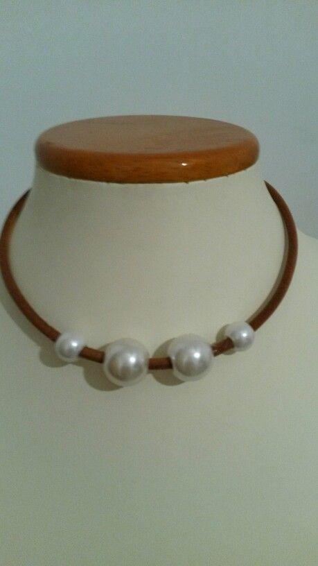 Collar gargantilla perlas bisutería