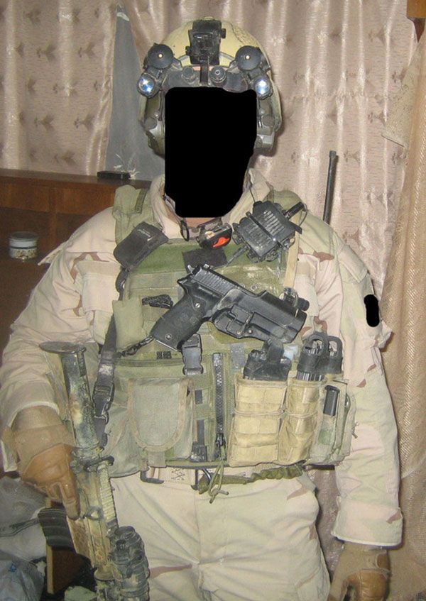 """A member of Task Force Black (SAS / SFSG) pictured while on operations in Iraq. Special Air Service and Special Forces Support Group troops, supported by various intelligence, communication and aviation assets, carried out a high tempo campaign against Al Qaeda and insurgent forces in Baghdad from 2003 to 2009. Speaking to the Times,Gen. D.Petraeus said, """"They have helped immensely…in particular, to take down the al-Qaeda car bomb networks and other al-Qaeda operations in Iraq's capital…"""
