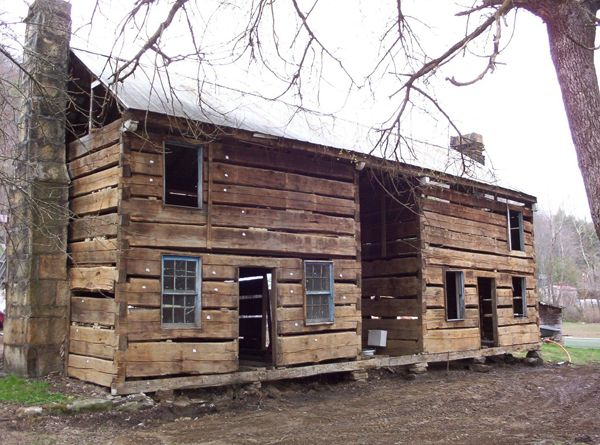 found in eastern kentucky this abandoned kentucky dog trot cabin rh pinterest com
