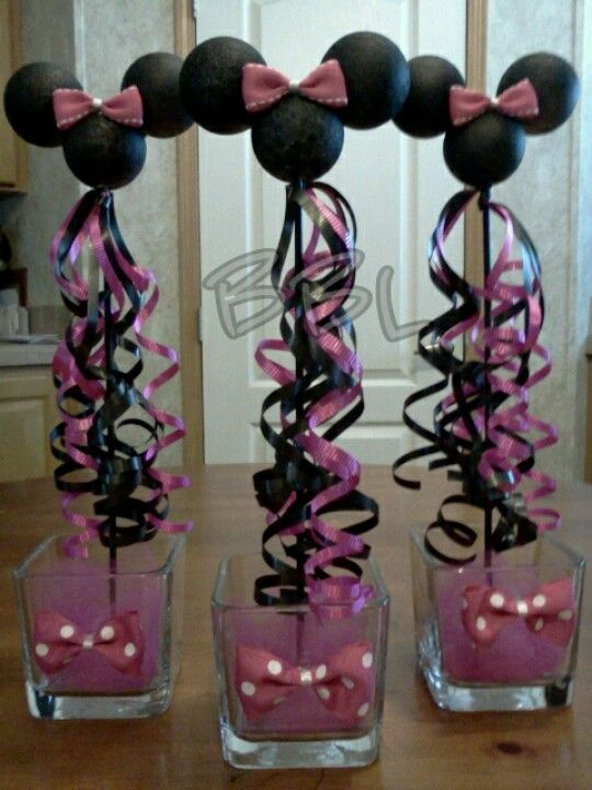 Minnie mouse centerpiece but make them mickey party