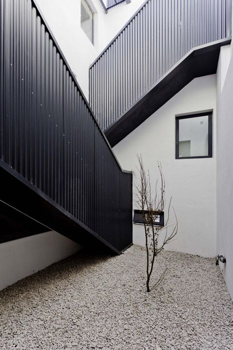 Best Two Houses Conde By Estudio Hma The External Stairs Are 400 x 300