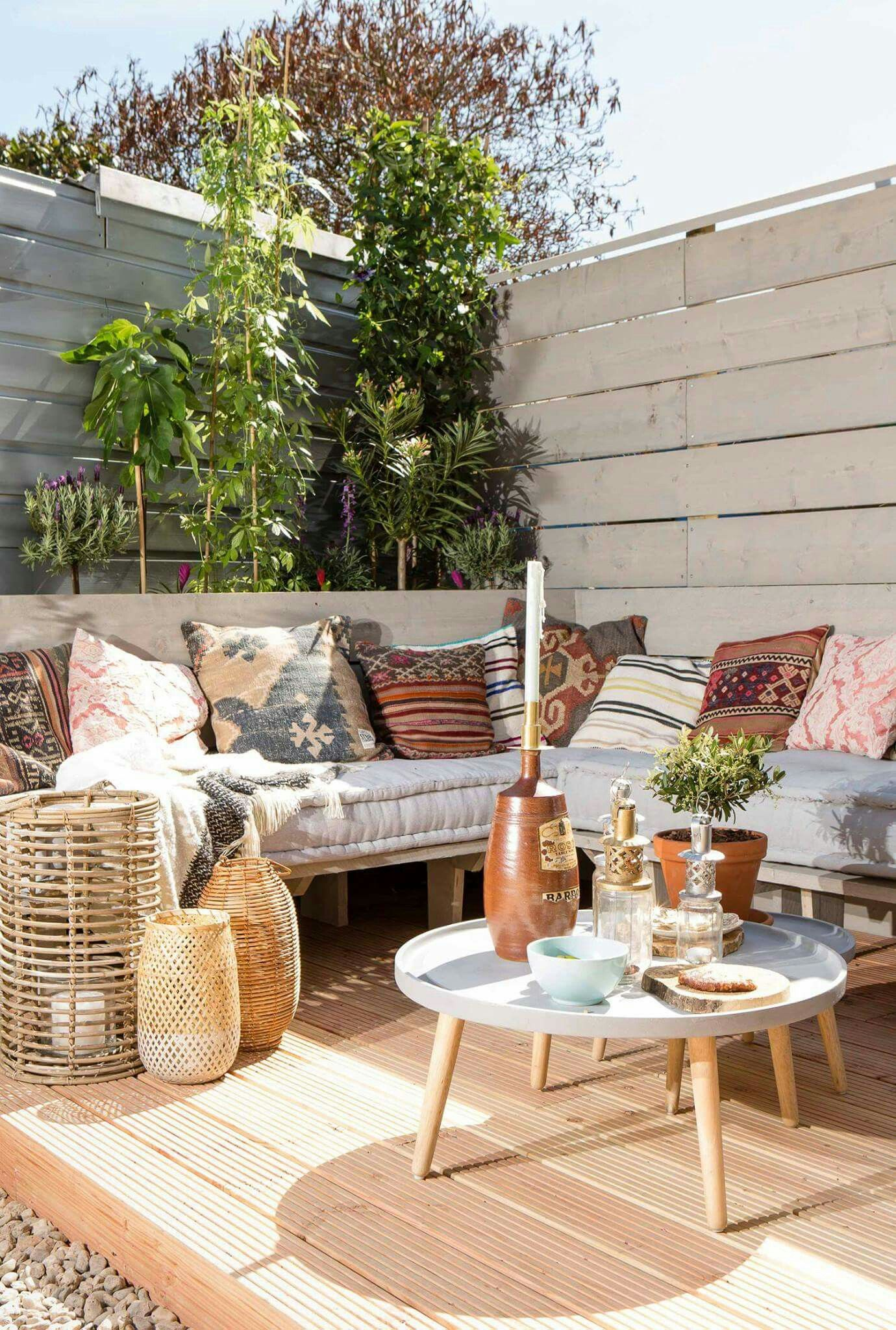Loungebank voor de overkapping in and out pinterest for Patios terrazas decoracion