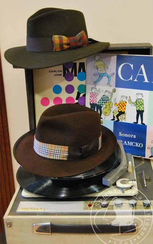 Sombreros de invierno en Sombrerería Albiñana - http   www.sombrerosybanderas.com   746e5636acb