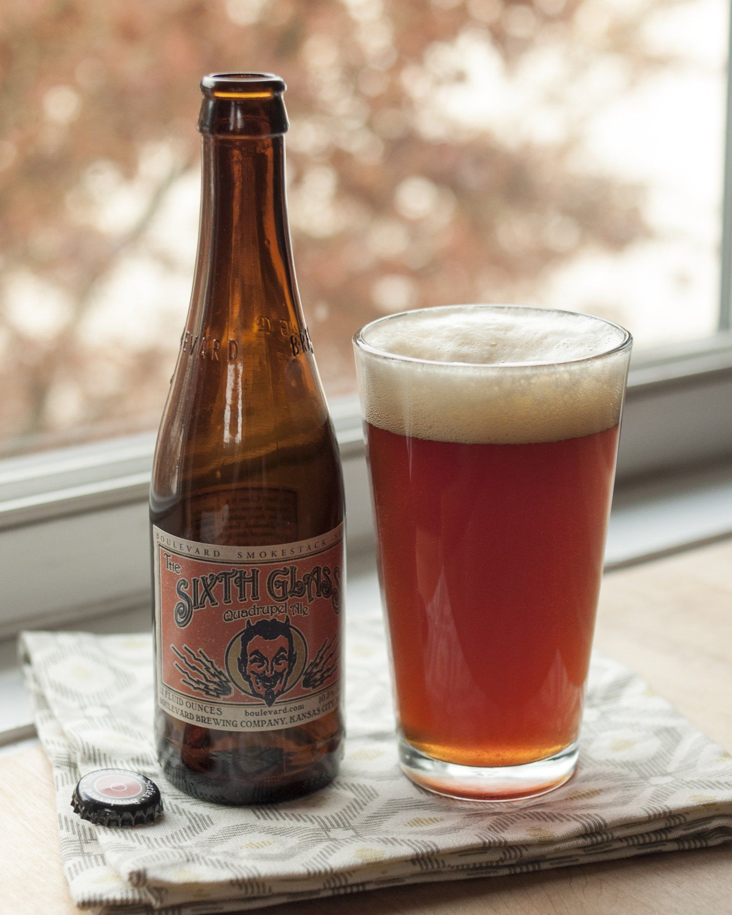 Beer Review The Sixth Glass Quadrupel Ale From Boulevard Brewing Company Beer Brewing Company Malt Beer