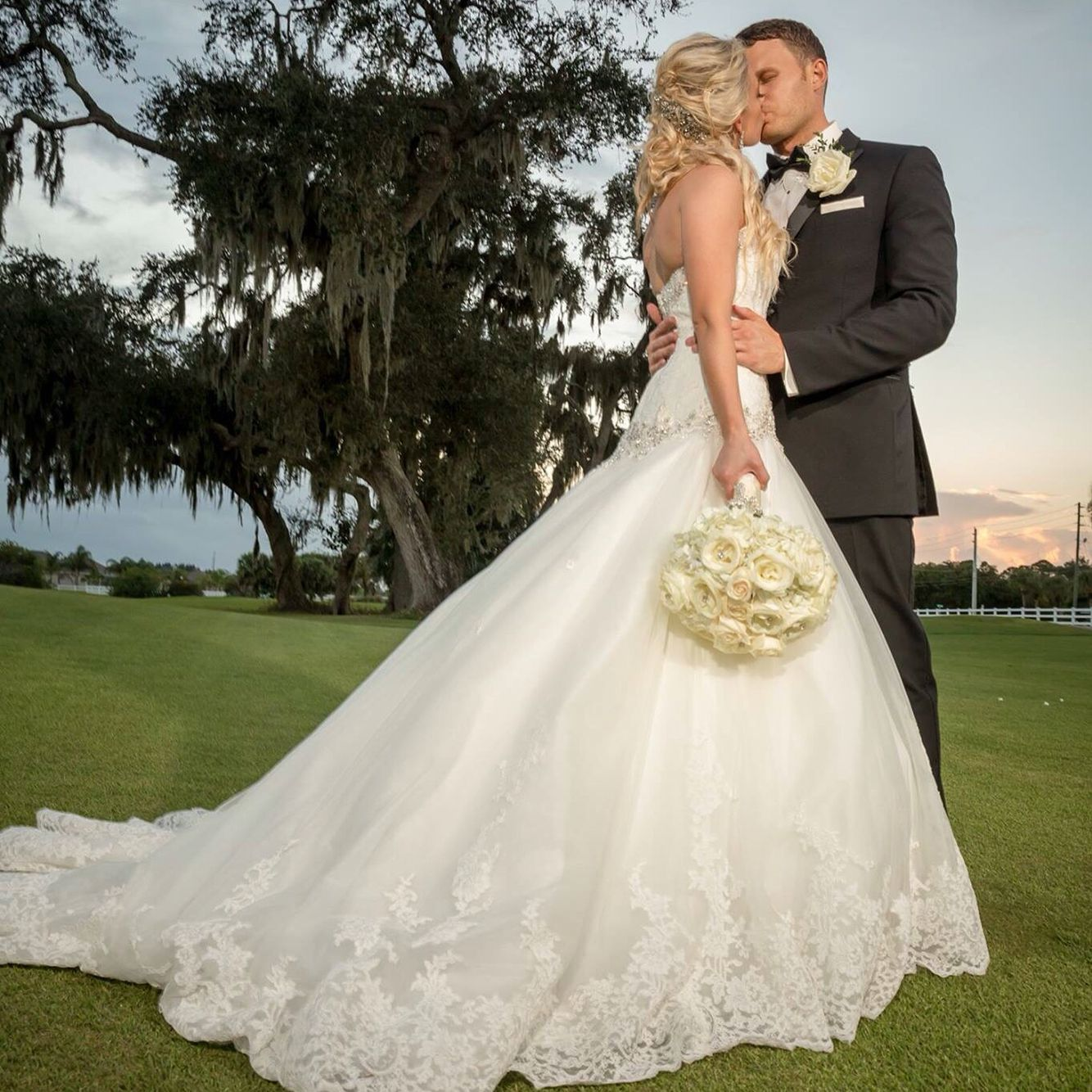Wedding picture Golf Course #justmarried #brideandgroom  #wedding