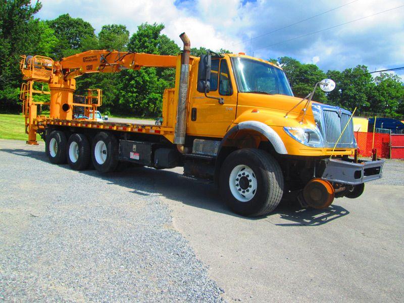 2006 International 7600 TriAxle HiRail Grapple Truck
