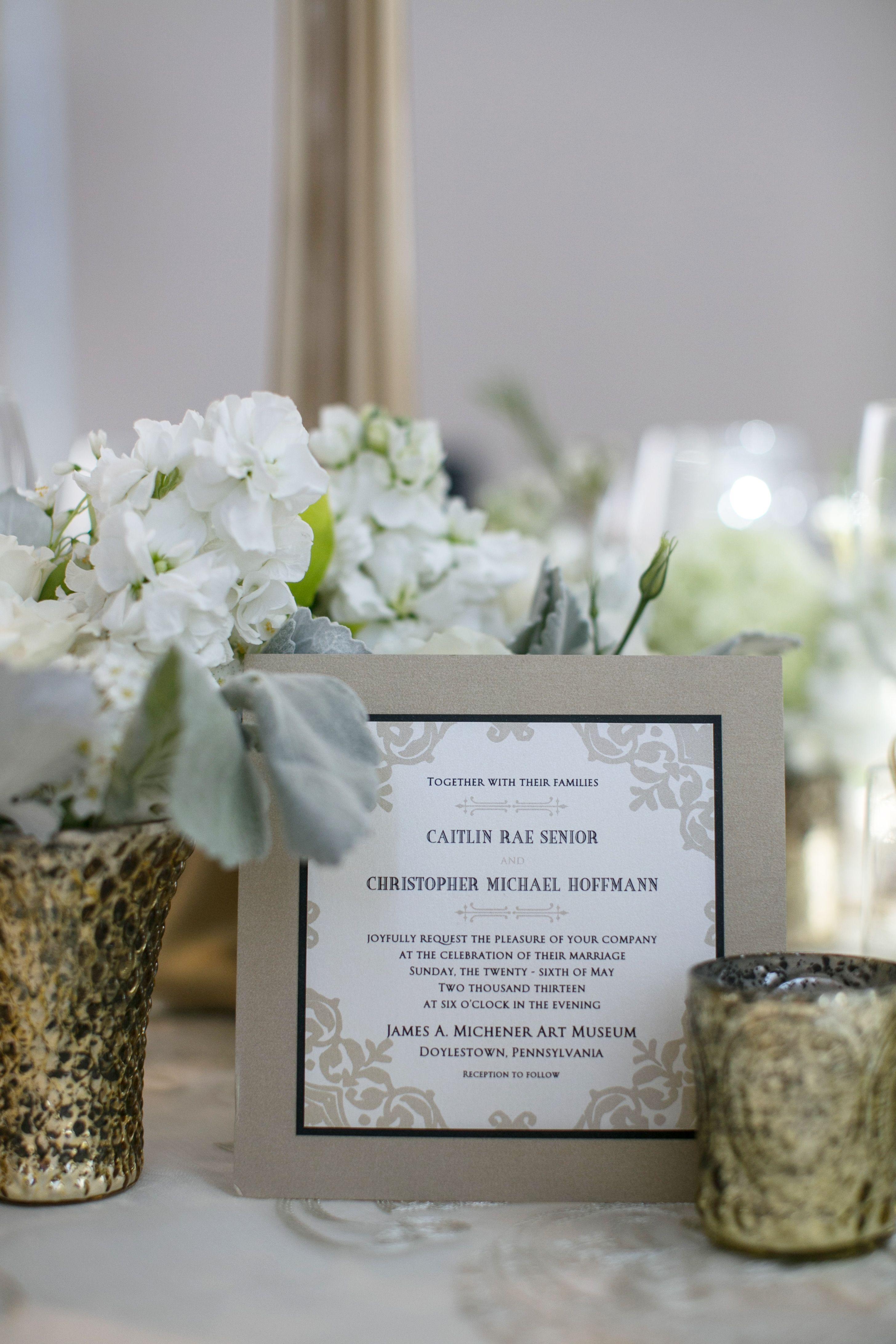 Invitations de mariage dans un cadre taupe | Décoration de mariage ...