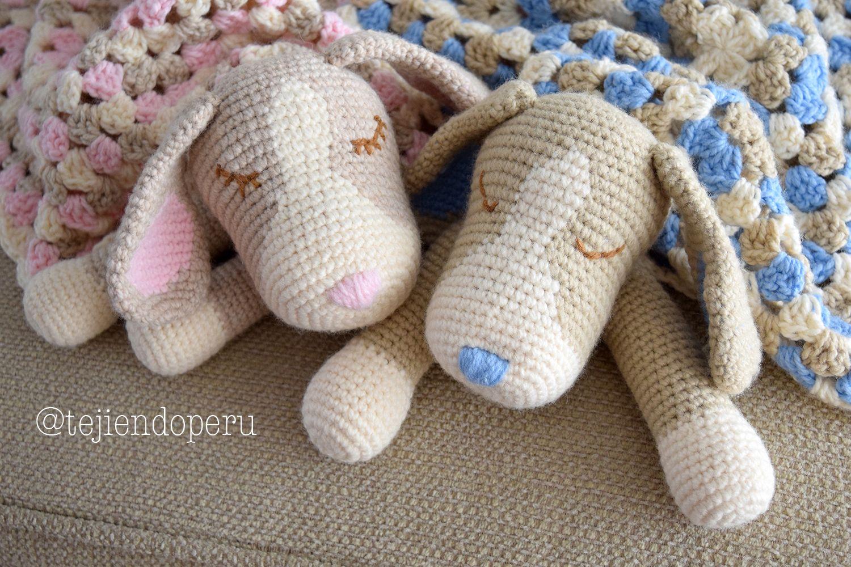 Amigurumis Perros Paso A Paso : Colcha con perritos dormilones o manta de apego tejida a #crochet