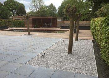 Houten Tegels Tuin : Keramische tegels in combinatie met prachtig houten terras. des