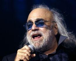 SAPO Música - Morreu Demis Roussos, aos 68 anos