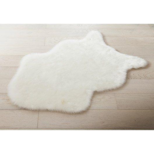 Tapis Blanc Peau Mouton L 60 X L 90 Cm Avec Images Tapis Peau De Mouton Tapis Fourrure Tapis Blanc