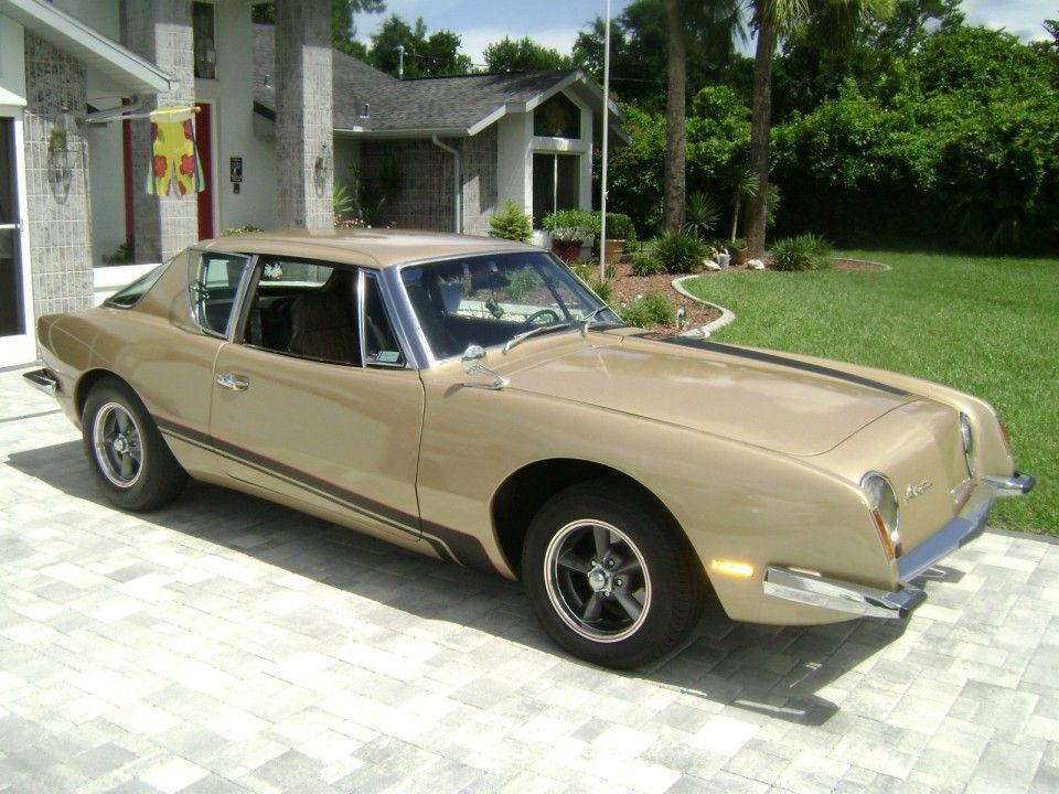Do you like the cars from the beginning of the 70s? Do you want ...
