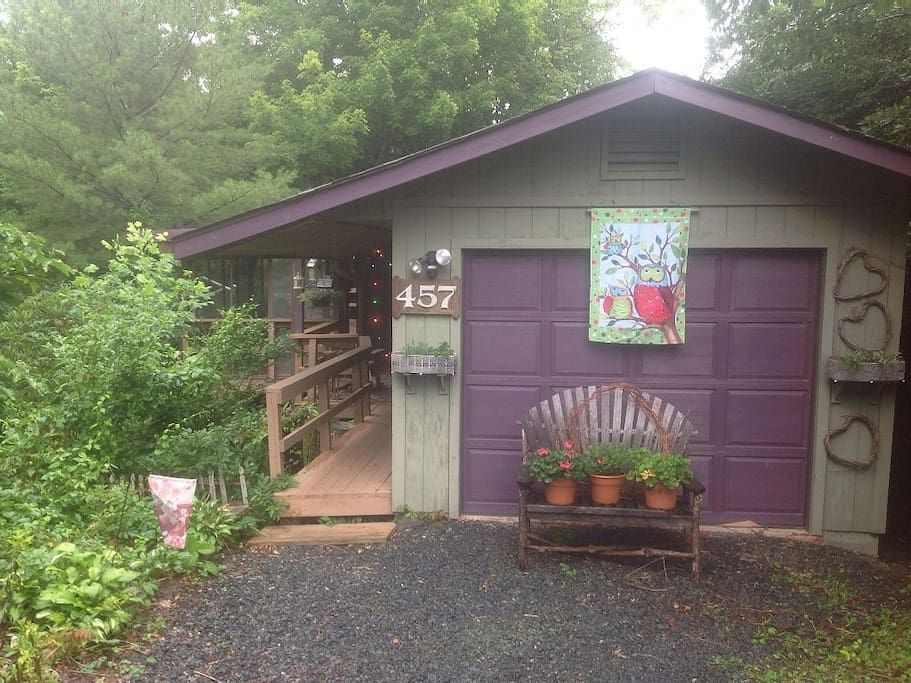 in Newland, US. Located in a friendly mountain resort