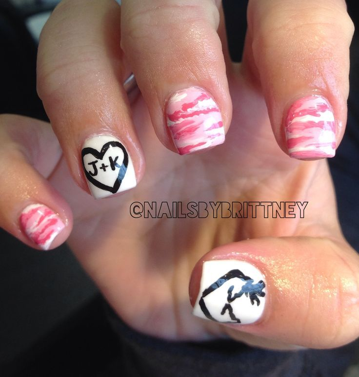 Pink camo nails with browning deer symbol. I love the heart with initials - 7e5e30170106d3330ee381f94f0d0a6a.jpg (736×774) Nails Ideas