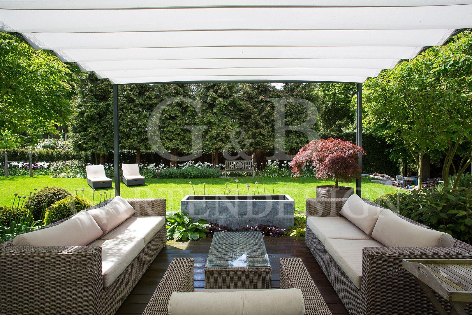 Gartengestaltung / Terrassengestaltung Mit Gartenmöbeln Hamburg:  Überdachter Sitzplatz Mit Loungemöbeln Und Wasserspiel #garden #