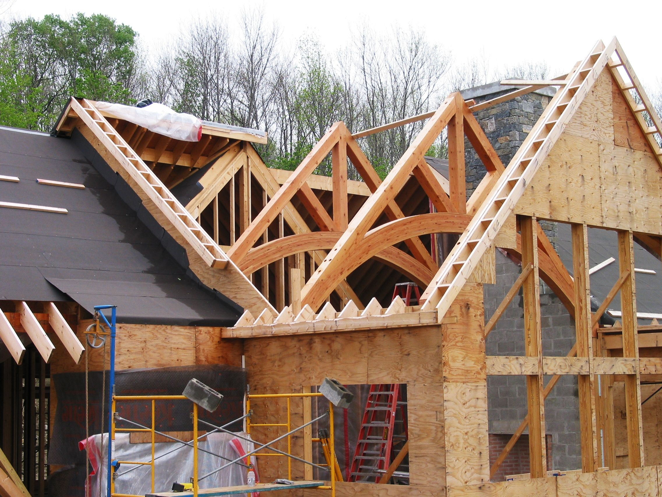 Timber truss installation timber frame construction for Timberframe house