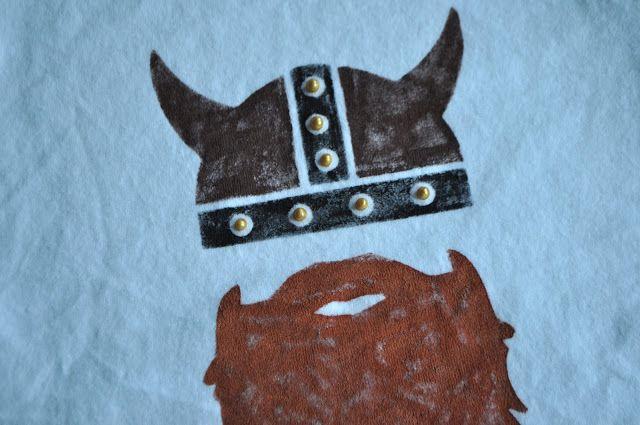 I Am Momma - Hear Me Roar: Viking Tee   viking party ... - photo#48