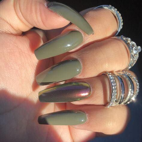 The Matte/Dark Green Nails designs are so perfect for fall! Hope they can inspir…