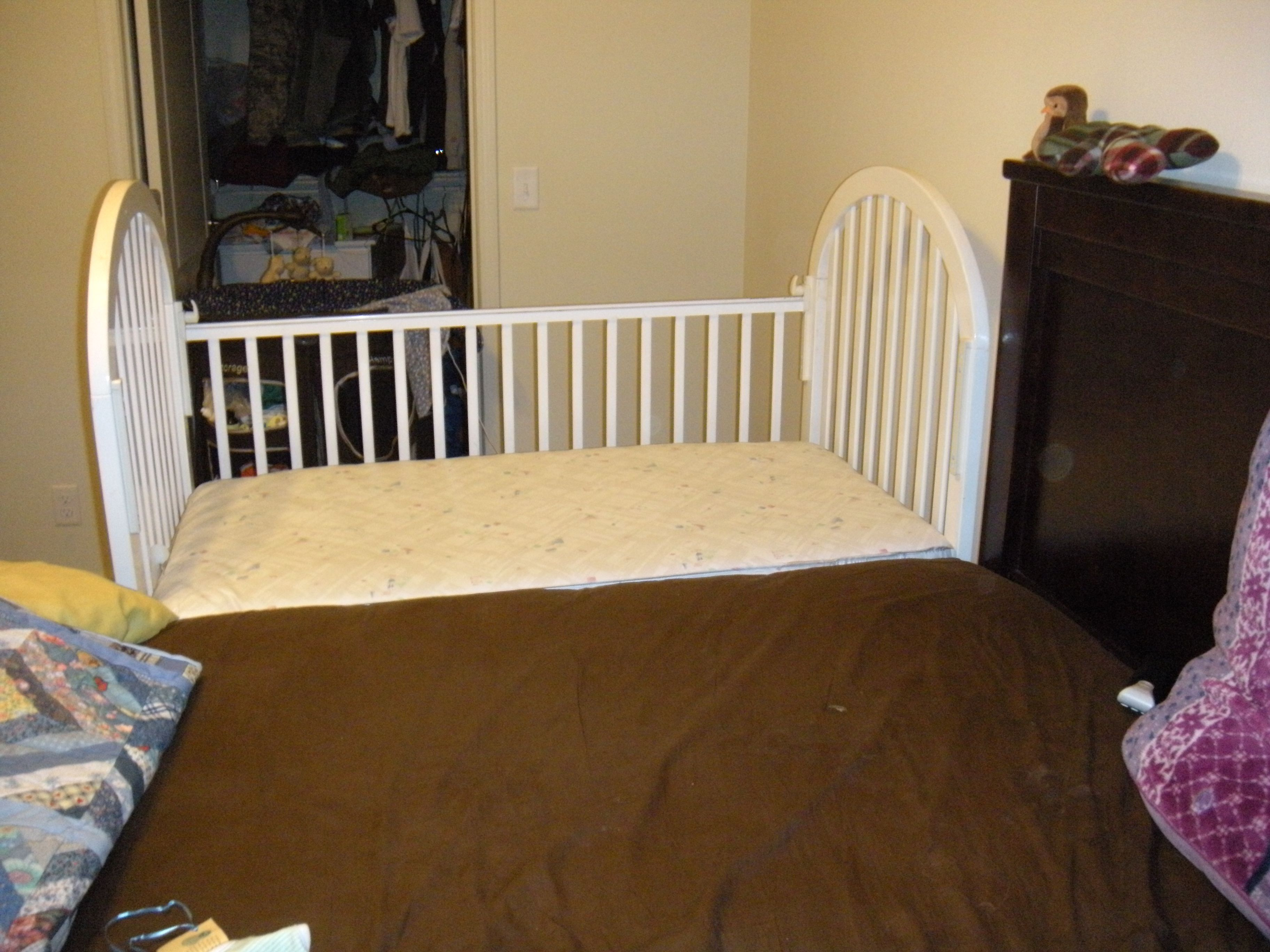 Baby cribs that attach to bed - Making A Side Car For Co Sleeping Is Easy And Cheap I Used A Handmedown