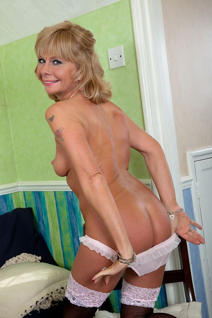 Naked Sexy Mature Ladies