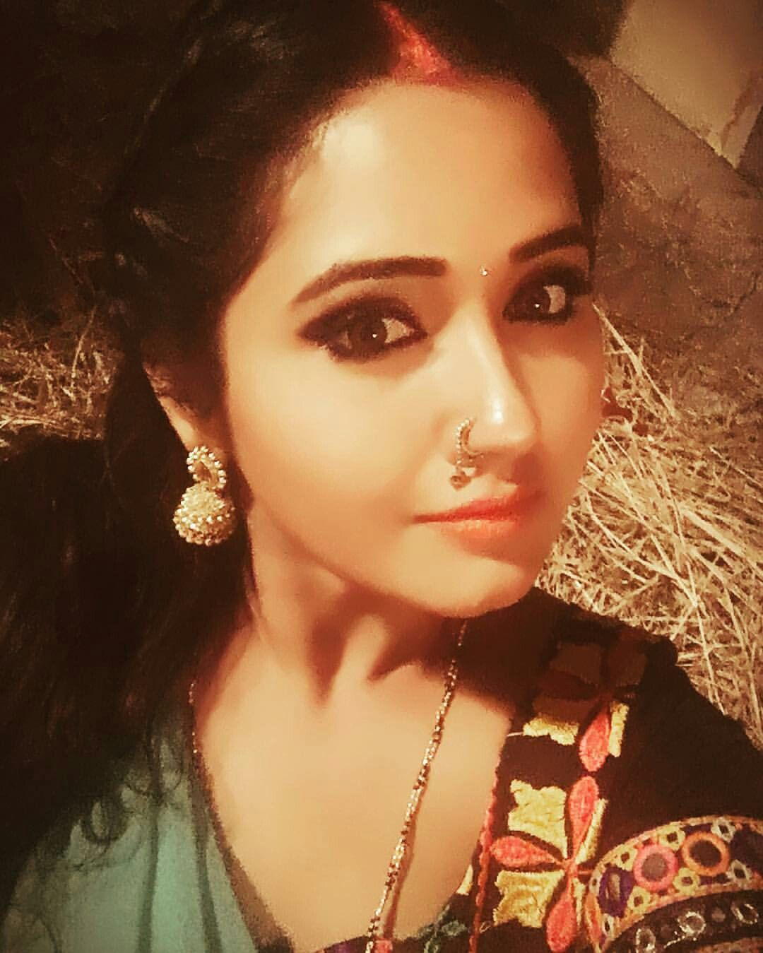Kajal Raghwani | Body Jewelry | Pinterest | Body jewellery, Saree ...