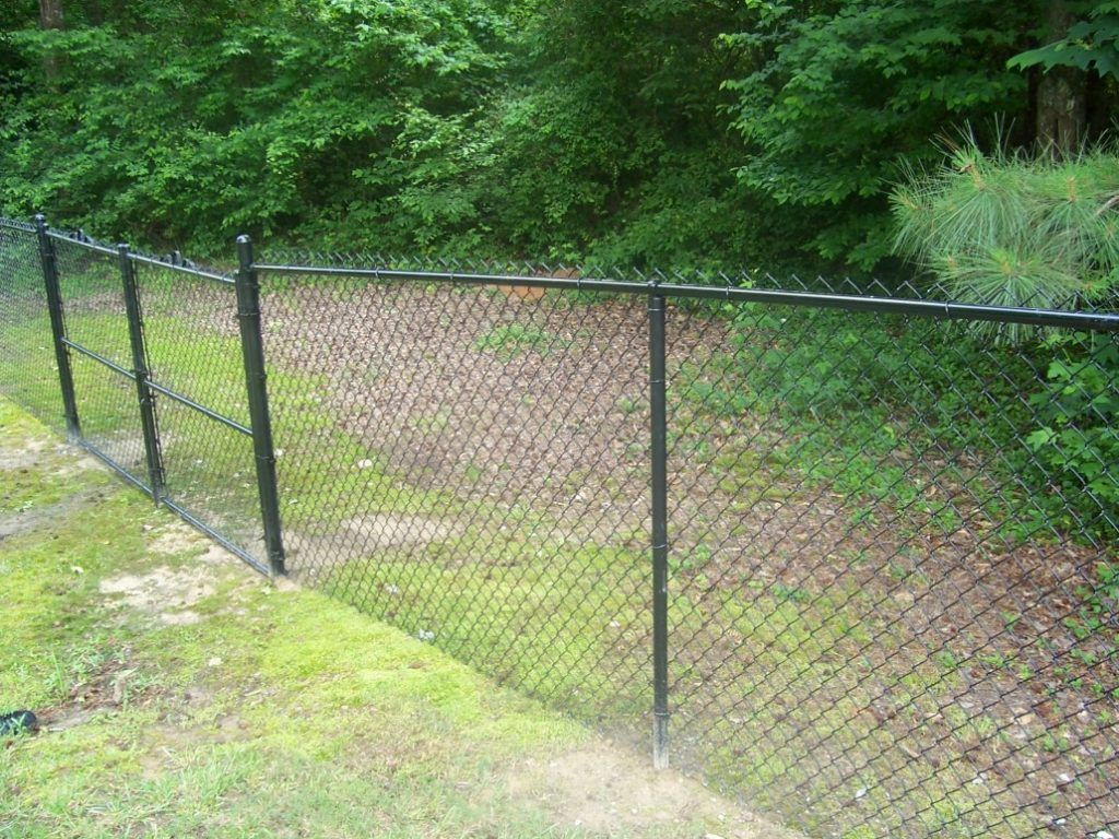 Installing Chain Link Fence Post In 2020 Black Chain Link Fence Fence Post Caps Chain Link Fence