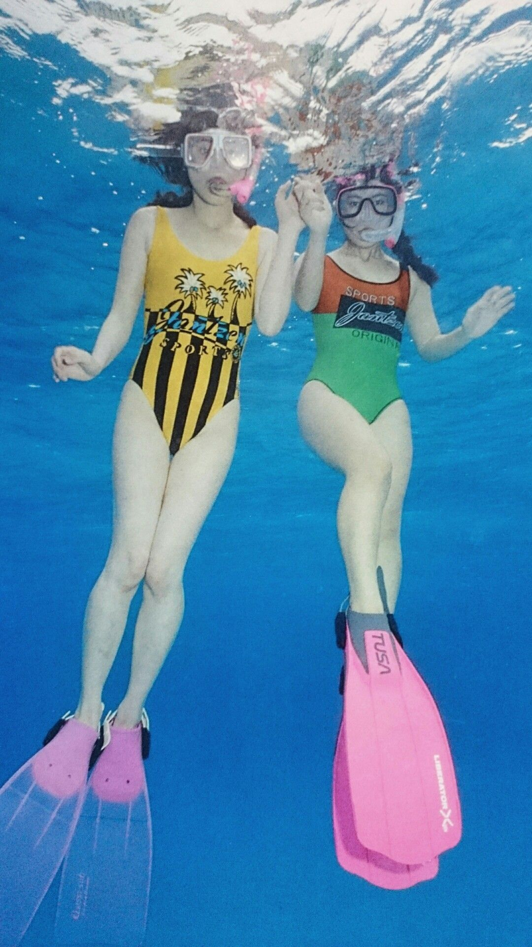 Japanese scuba girls — photo 9