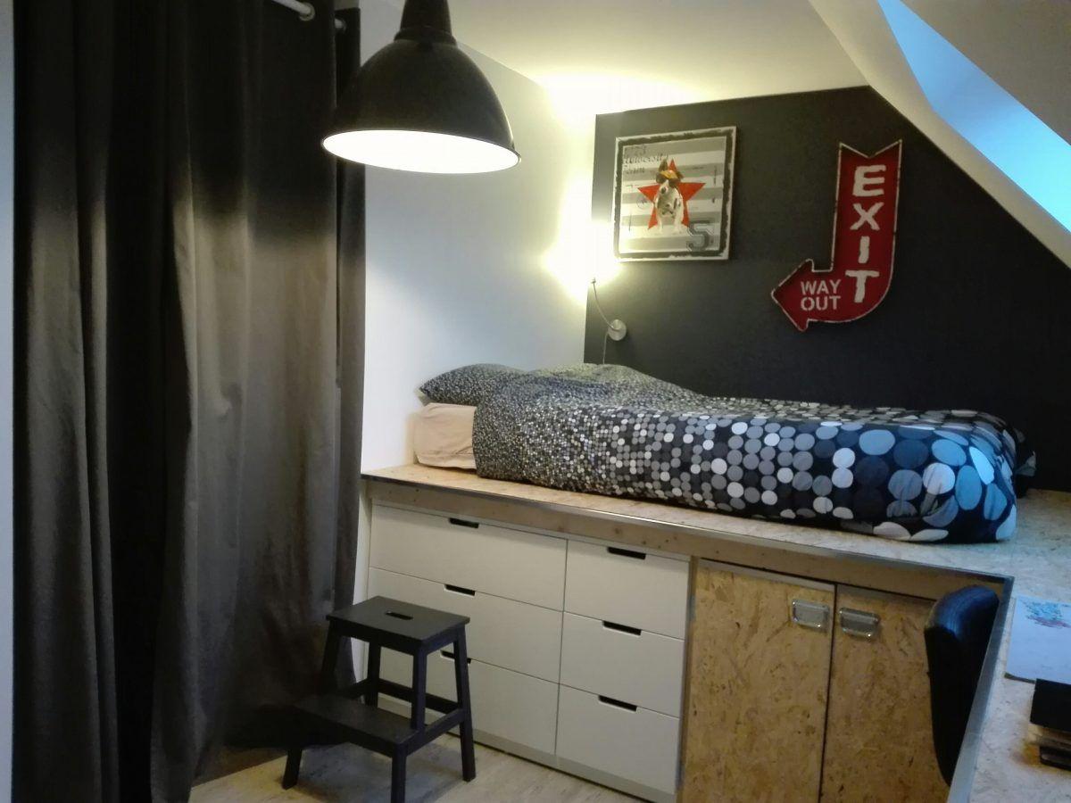 la chambre d ado de william et son estrade ado le chambre et chambres. Black Bedroom Furniture Sets. Home Design Ideas