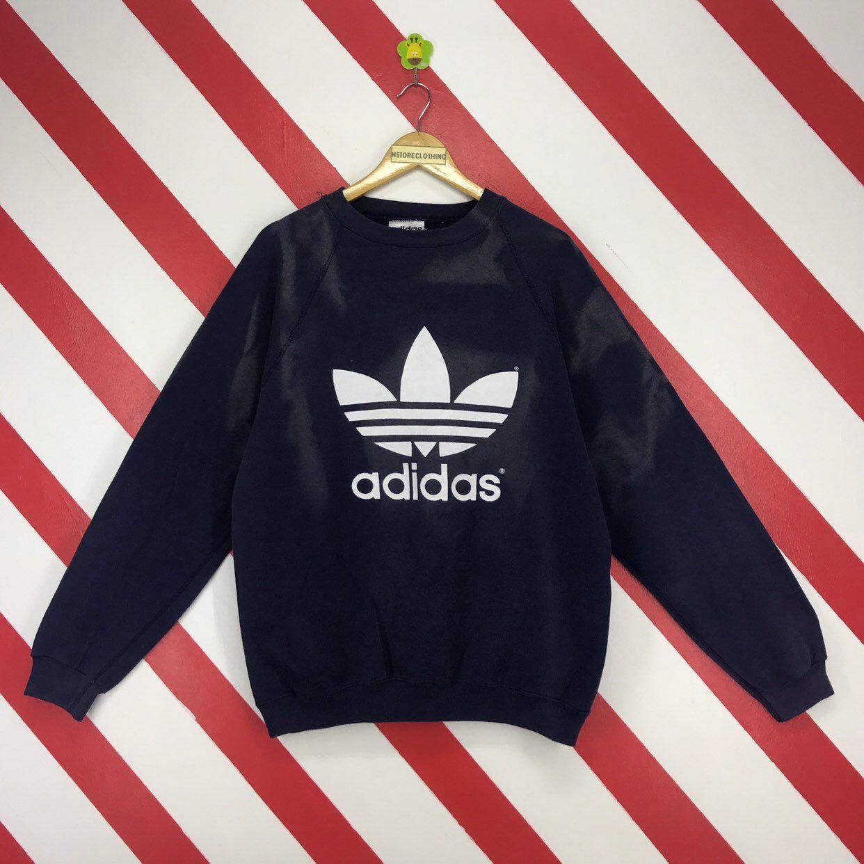 Nwt Adidas Trefoil Crew Sweatshirt A Fresh Take On A Classic Logo Style A Big Trefoil Logo And A Box Of Color Crea Crew Sweatshirts Sweatshirts Adidas Sweater [ 1740 x 580 Pixel ]
