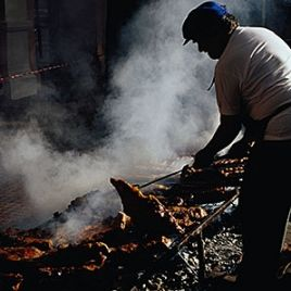 Every type of wood smoke has its own distinctive flavor: hickory, apple, and mesquite. Here is the guide for pairing them with meat.