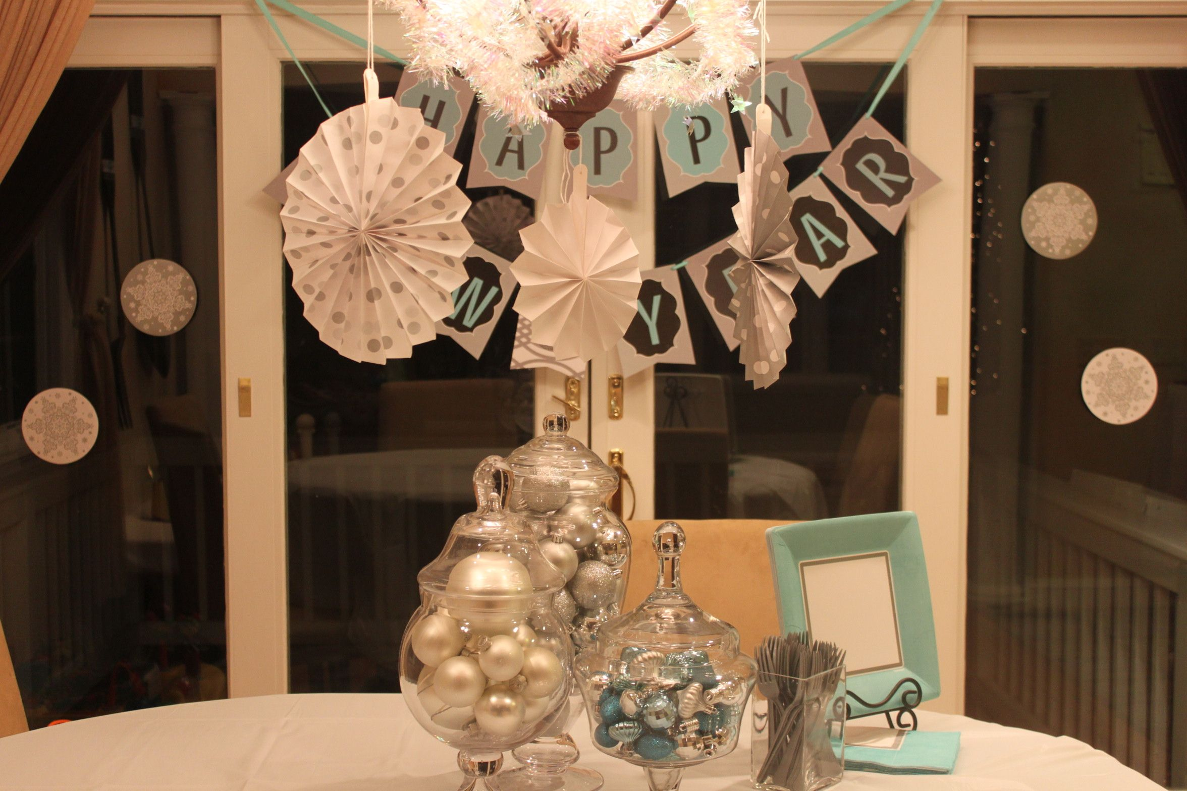 New Year S Eve Party Decoration Craft Ideas For Kids Newyear Partydecorations New Years Eve Decorations Diy New Year S Eve New Years Decorations