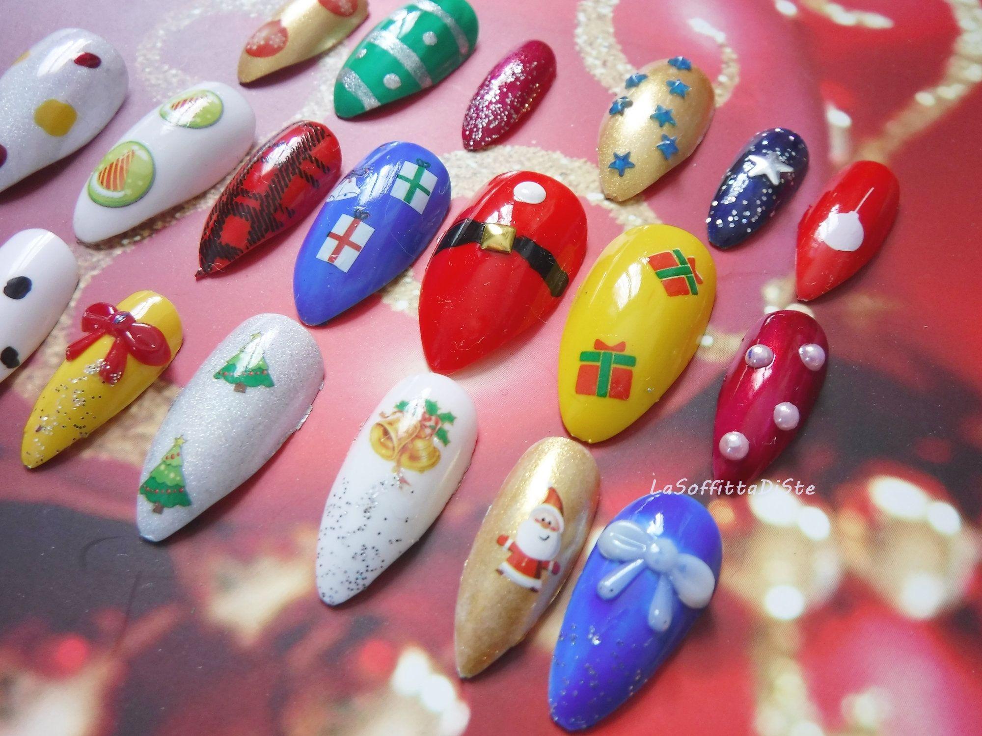 Ongles de Noel faux presse 3D sur manucure stiletto astuce de Noel