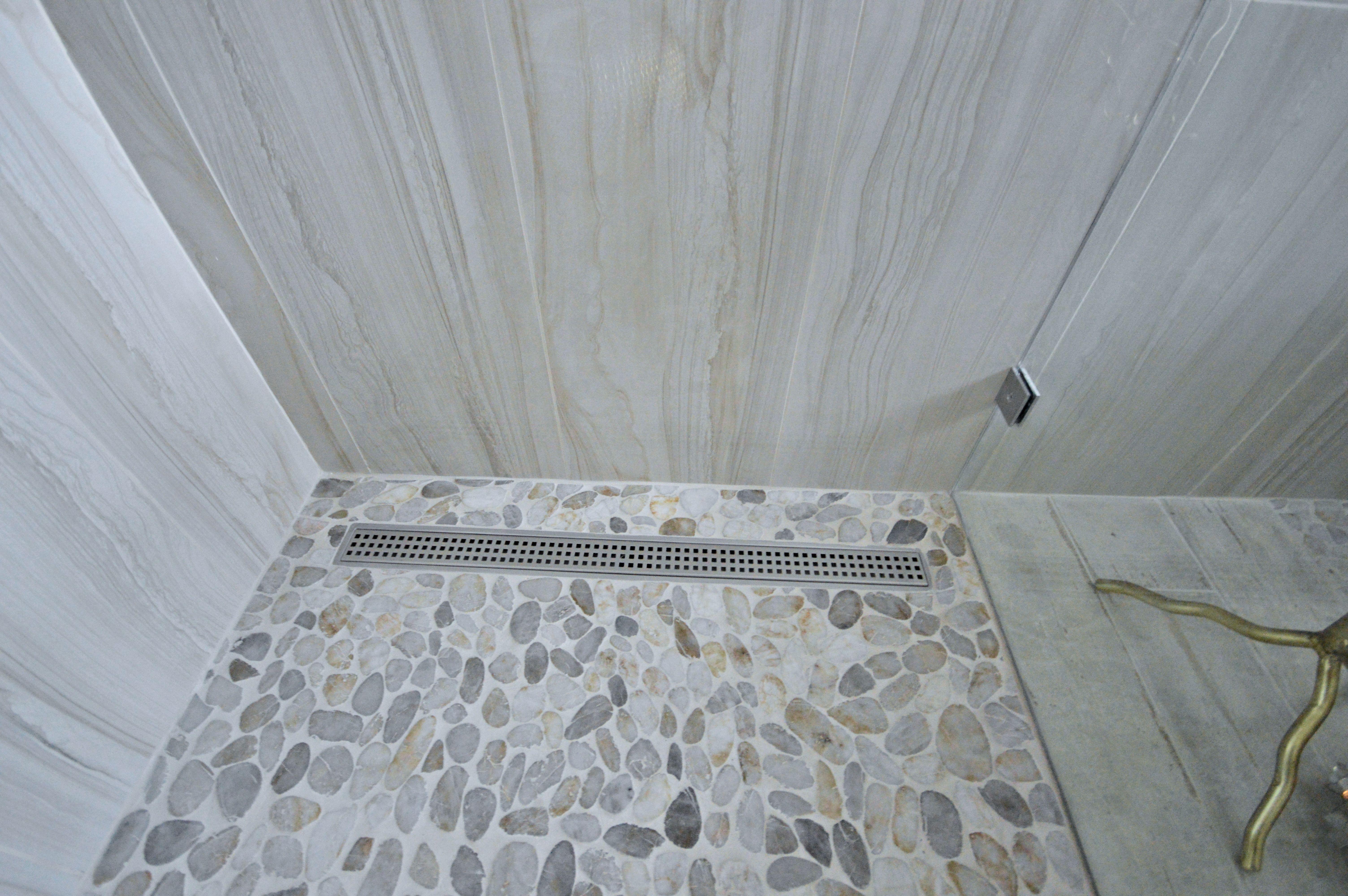 Principal Bathroom Remodel River Rock Retreat In 2020 Custom Bathroom Master Bathroom Renovation Free Standing Bath Tub