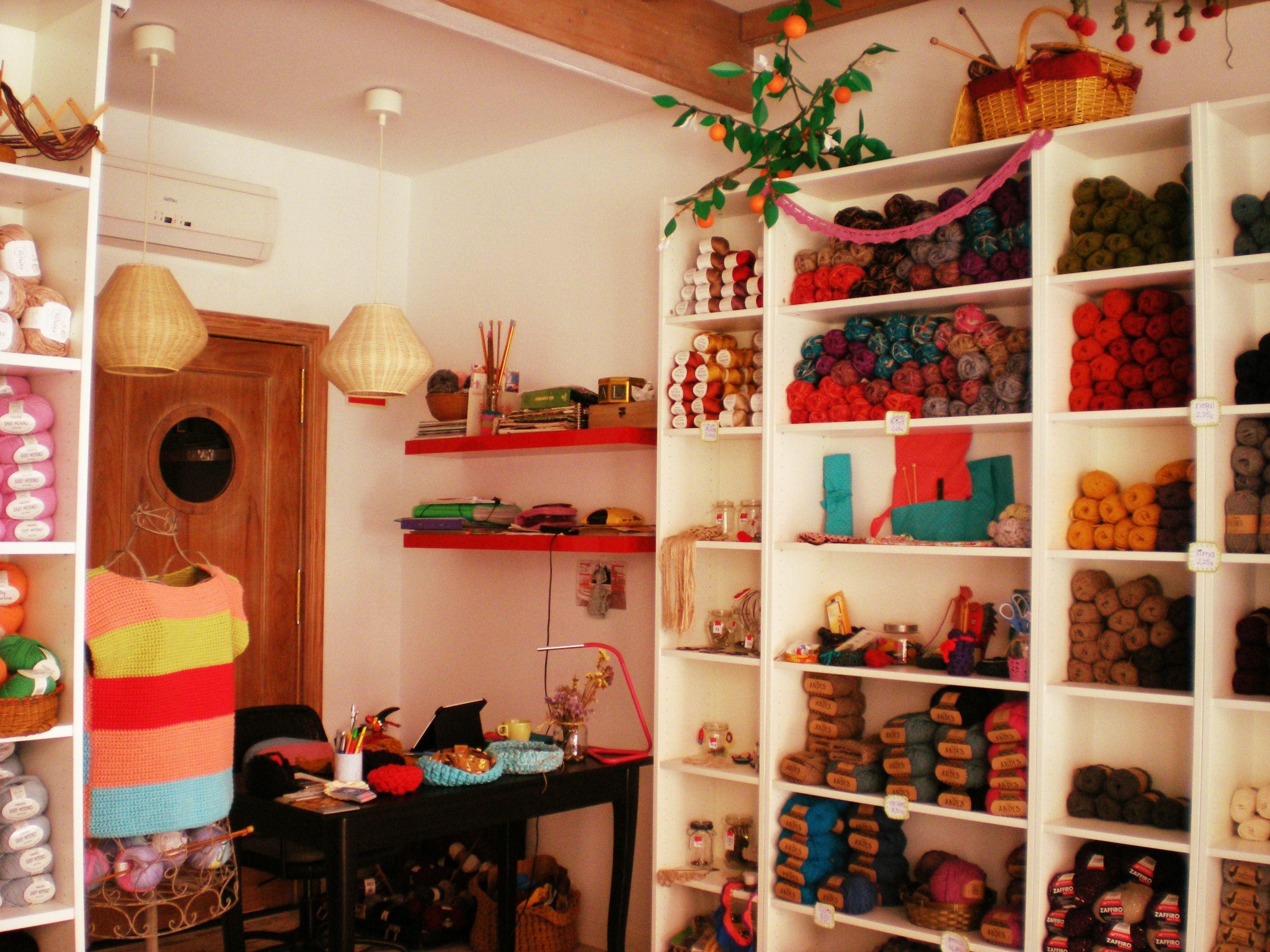 Mercería creativa. Tejer en Alcalá de Guadaíra. Punto, crochet. lasirenazul.com/