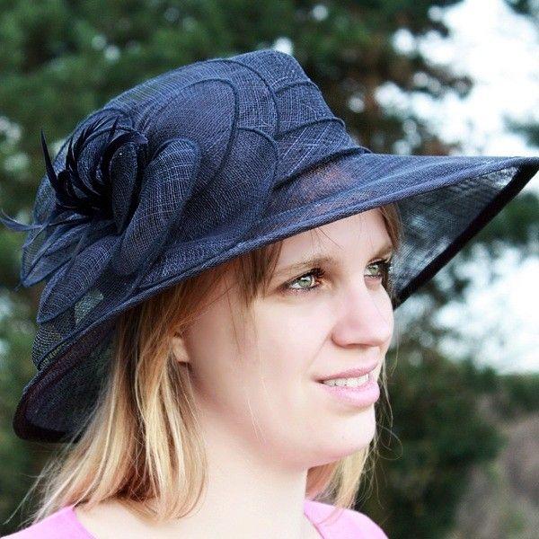 chapeau mariage sisal ruban fleur plume bleu marine chapeaux pinterest. Black Bedroom Furniture Sets. Home Design Ideas