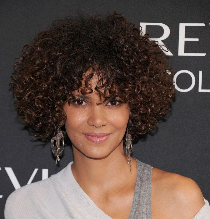 Halle Berry Short Curly Hairstyle In 2019 Short Curly Hair