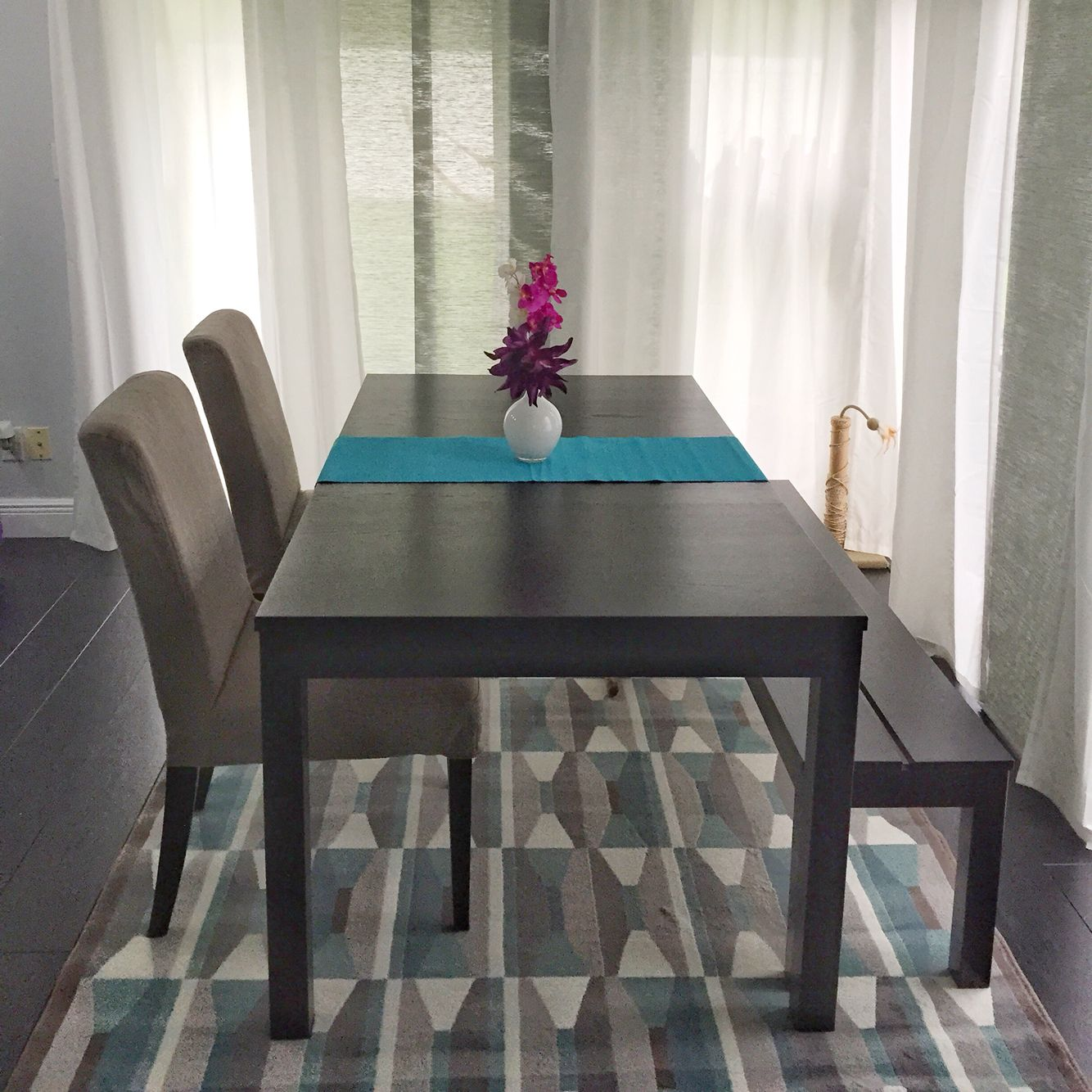 Modern dining room with bench and Bjursta